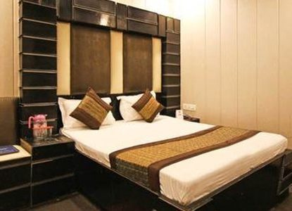 Why You Should Visit Mail Exchange Hotel